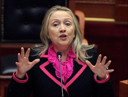 """Журналист Newsmax TV раскрыл """"тёмную сторону"""" Хилари Клинтон"""