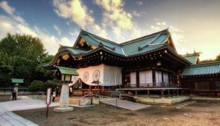 Абэ извинился зато, что несмог лично посетить «милитаристский» храм Ясукуни