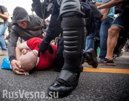 Пьяный «атошник» подрался сполицией в Днепропетровске (ВИДЕО)