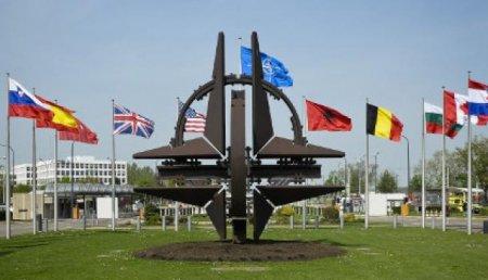 Генсек НАТО выразил надежду на активизацию контактов с Россией