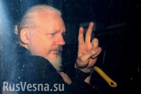 «Отпустите Ассанжа илипоплатитесь!» — хакеры Anonymous угрожают Британии (ВИДЕО)