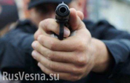 Мужчина расстрелял охранника полтавского кафе за то, что тот не дал ему схо ...