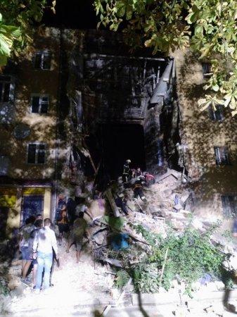 Взрыв вжилом доме наЛьвовщине: обрушился весь подъезд, есть жертвы (+ФОТО, ВИДЕО)