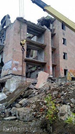 Обломками рухнувшей пятиэтажки в Подмосковье завалило трёх человек (ФОТО, ВИДЕО)