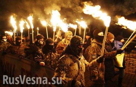 Фашисты с лицами дебилов: Как банда отморозков под прикрытием запугивает Украину (ФОТО)