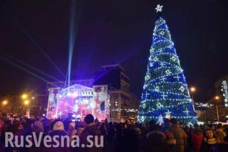 Как выглядит новогодний Донецк-2020: прогулка по городу (ВИДЕО)