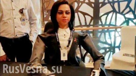 Индия создала робота-женщину для полётов в космос (ВИДЕО)