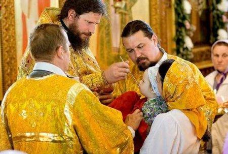 Православные просят оставить причастие на Пасху с соблюдением санитарных норм: уже собрано более 40000 подписей (ФОТО)