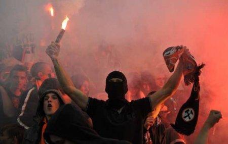Ультрас за убийцу: фанаты грозят украинским властям
