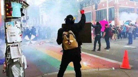 Учёный пояснил, почему протесты в Германии не привели к вспышке COVID-19