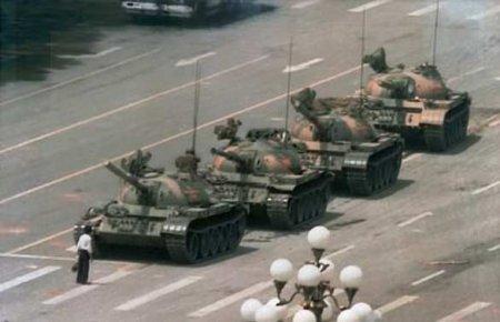 Задержан член Pussy Riot, который планировал сорвать Парад Победы