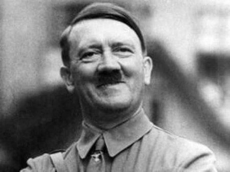 Мэр Херсона установил билборды с клятвой Гитлеру