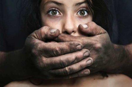 Полицейский изнасиловал школьницу вОдессе