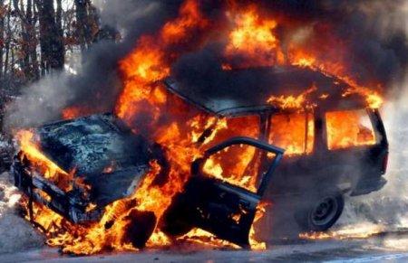 ВНиколаеве сожгли машину главаря местного «Нацкорпуса» (ФОТО, ВИДЕО)