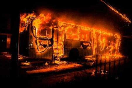 Автобус из Донецка сгорел на трассе под Липецком (ФОТО)
