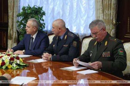 Лукашенко на эсктренном совещании Совбеза заявил о «грязных намерениях» россиян (ФОТО)