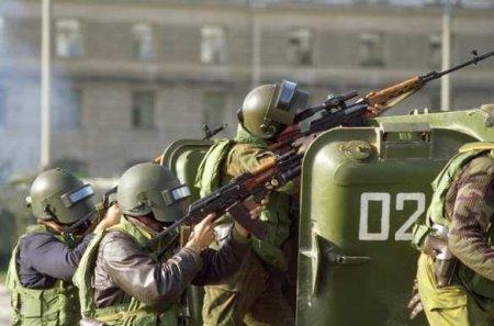 Минск кипит: силовики и спецтехника на улицах, начались задержания, закрыто ...