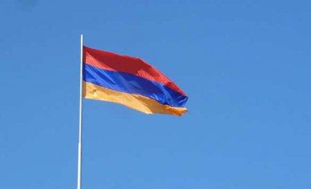 В Армении ограничили выезд мужчин из страны