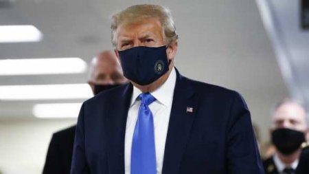 Коктейль из крови сингапурцев: на больном коронавирусом Трампе провели медэ ...