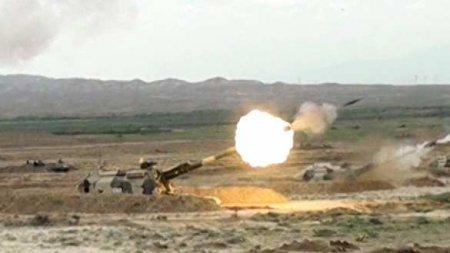 Армия Азербайджана наносит ракетно-артиллерийские удары по Карабаху (ВИДЕО)