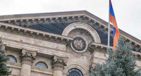 Протесты в Армении: Парламент не смог отправить Пашиняна в отставку