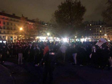 «Кадры шокируют»: в Париже полиция жёстко зачистила лагерь мигрантов (ВИДЕО)