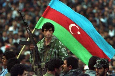 Ногой на крест: азербайджанские военные крушат могилы в Карабахе (ФОТО, ВИДЕО)
