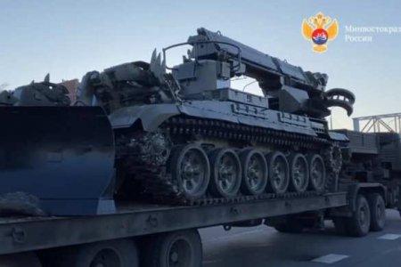 Операция по спасению острова Русский: на помощь выдвинулись военные (ФОТО, ВИДЕО)