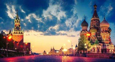 «Юная Мисс Россия — 2020» из ДНР поздравила с Новым Годом с Красной площади (ВИДЕО)