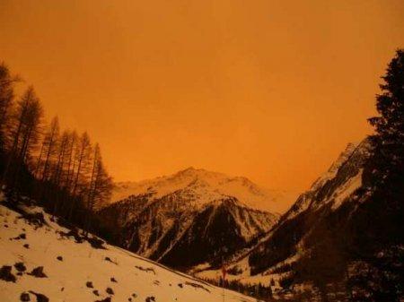 Дыхание Сахары: Европу окутала оранжевая мгла (ФОТО, ВИДЕО)