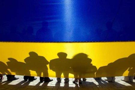 65% украинцев считают, что страна находится под внешним управлением — опрос