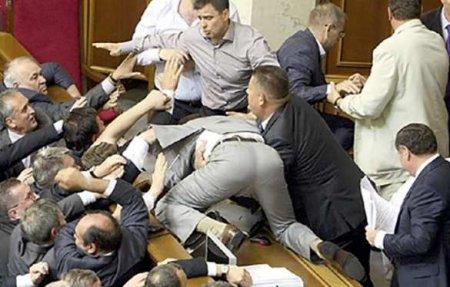 «Атмосфера агрессии и двойных стандартов»: соратница Порошенко возмущена «хамством» в Раде