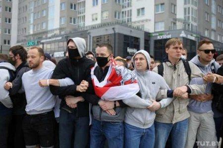 «Распад общества»: белорусы по разные стороны баррикад
