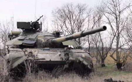 Украина готовится отражать наступление на границе Крыма (ВИДЕО)
