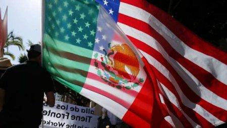 Сосед США против Вашингтона: Штаты обвиняют в дестабилизации с помощью местных «навальнистов»