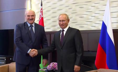 Теперь сменя взятки гладки: Лукашенко ответил навопрос обавиасообщении сКрымом (ВИДЕО)