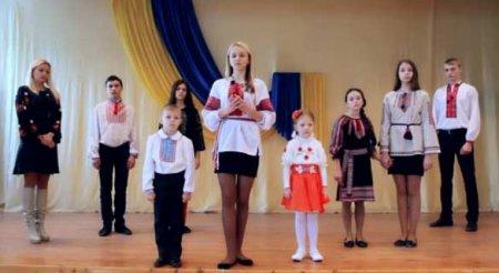 Вакарчук выпустил очень странный клип о смерти и Донбассе (ВИДЕО)