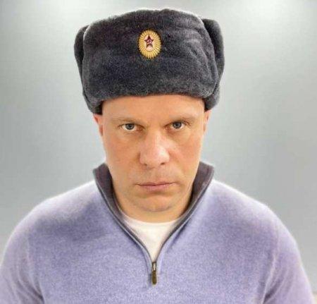 «Украинцы и русские — один народ»: Кива записал обращение в ушанке (ВИДЕО)