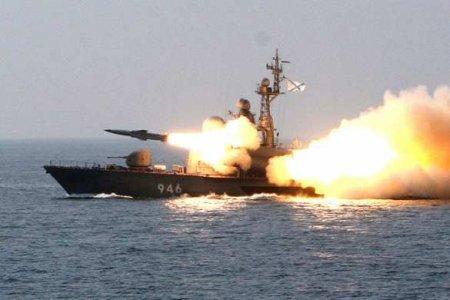 Сборта корабля ВМС США увидели манёвры российских военных вЧёрном море (В ...