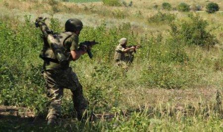 Донбасс: Уничтожен грузовик с офицером ВСУ, боевики успешно самоликвидируются на разных участках фронта (ФОТО)