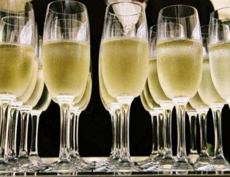 Французские виноделы сдались — поставки шампанского в Россию возобновляются