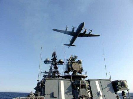 На Камчатке экипажи Ил-38 «уничтожили» подлодку условного противника